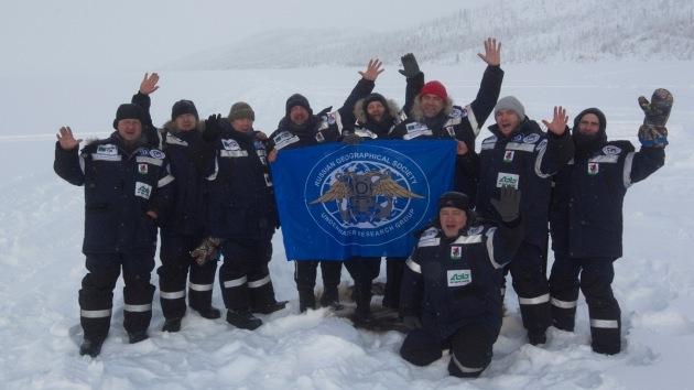 Viaje pionero al fondo del Lago Ness ruso, en 'la nevera' del planeta