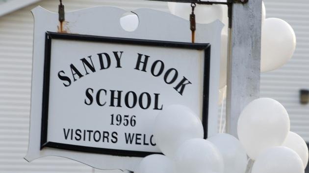 Salen a la luz las llamadas de socorro durante el tiroteo en la escuela Sandy Hook