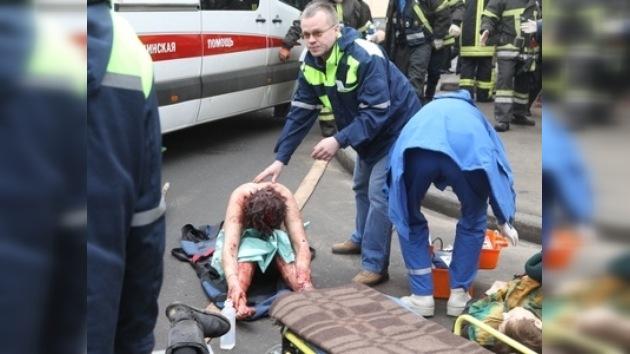 Urge sangre para los heridos por las explosiones en el metro de Moscú