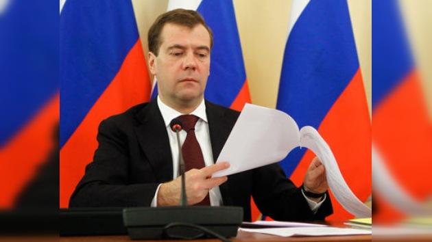 Medvédev firma la Ley de la Policía que entrará en vigor en marzo