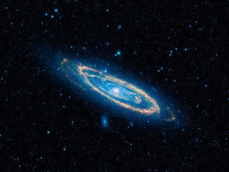 La NASA ofrece a los aficionados imágenes de millones de galaxias, estrellas y asteroides