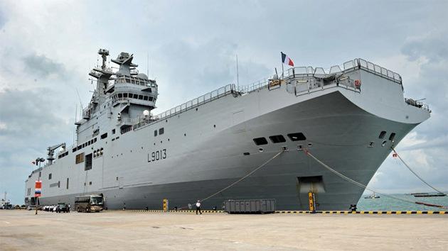 Francia critica la doble moral de Londres por reprobar el acuerdo de los Mistral