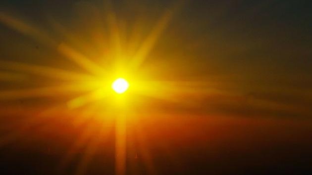 Hallan una 'hermana' del Sol que podría explicar el origen de la vida en la Tierra