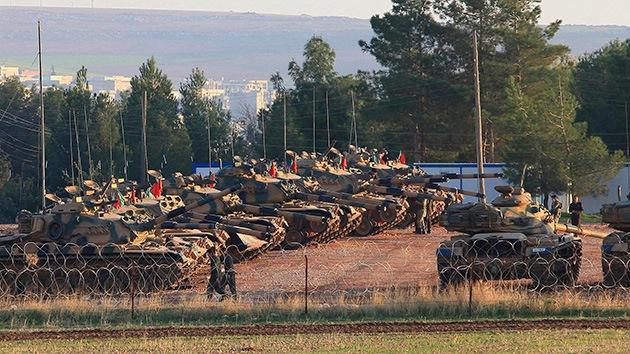 Siria: Tanques y artillería de Turquía ayudan al avance de los rebeldes