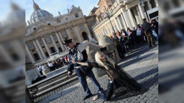 Femen logra parcialmente su objetivo de protestar contra el Papa