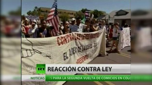 Siguen las protestas contra la polémica ley migratoria en Arizona