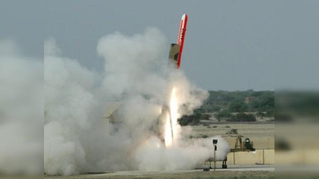 Pakistán realiza con éxito lanzamiento de prueba de misil con capacidad nuclear
