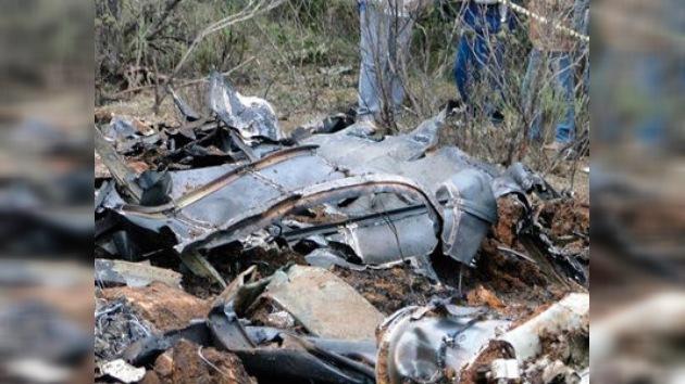 Mueren 8 personas tras estrellarse un avión militar en Brasil
