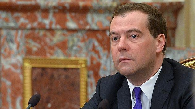 """Medvédev sobre Ucrania: """"No se puede negociar con gente armada y con máscaras"""""""