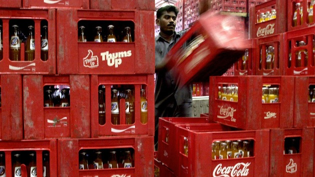 La India puede demoler la planta 'ilegal' de Coca-Cola que contaminó una aldea