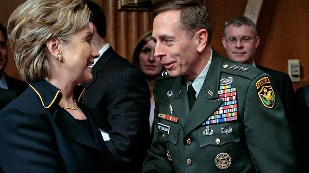 Clinton y la CIA planeaban armar a los rebeldes sirios