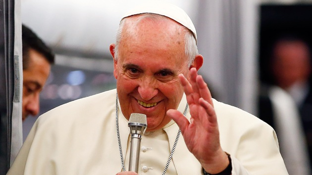 'Decime qué se siete': Papa pregunta a cónsul brasileño quién es mejor, ¿Maradona o Pelé?