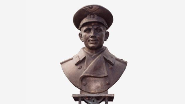 Escultor ruso envió a Uruguay nuevo monumento a Gagarin tras robo del anterior