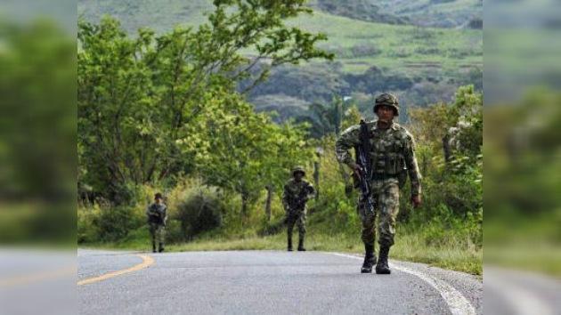 Una niña muere por una bomba lanzada por las FARC en una escuela