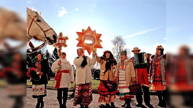 En Rusia celebran la Navidad con bailes tradicionales