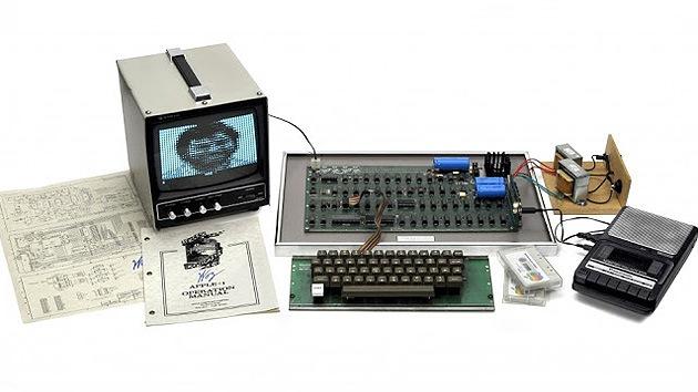 Subastan por 400.000 euros un Apple-1 de 1976, 'primera manzana de la creación'
