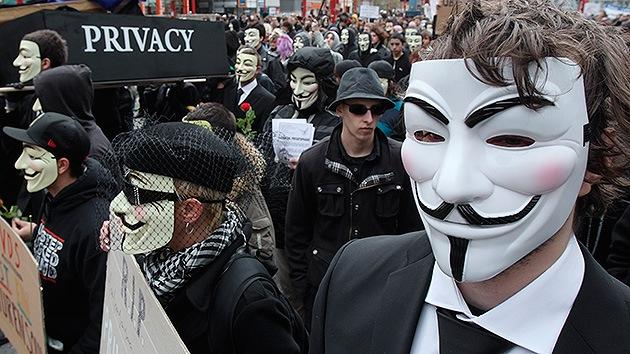 El plan para silenciar la libertad de los internautas, en 7 pasos