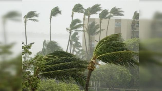 La tormenta 'Tomas' se convierte en huracán y amenaza al Caribe