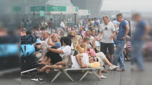 Humo en la atmósfera afecta funcionamiento de aeropuertos de Moscú