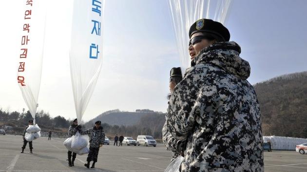 Video: Surcoreanos lanzan una campaña propagandística 'aérea' hacia Corea del Norte