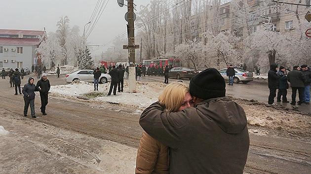 """Testigos: """"No entendíamos qué pasó. Y luego vimos el vehículo destrozado y los cadáveres"""""""