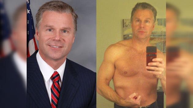 Un congresista estadounidense dimite por sus fotos escandalosas en Internet