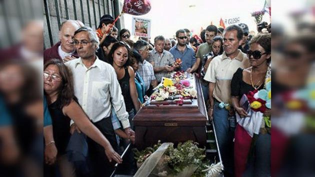 Chile: Multitudinario adiós al joven gay Daniel Zamudio asesinado por neonazis