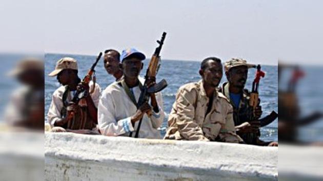Secuestran un barco en el golfo de Guinea con varios españoles y un peruano