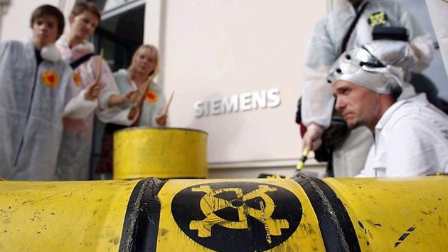 """Irán: """"Siemens coloca explosivos en equipos para los iraníes"""""""