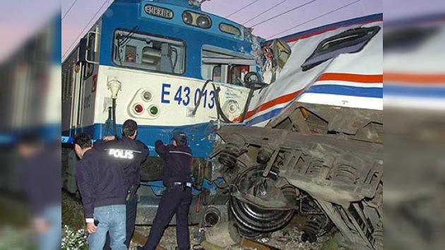 32 personas heridas en el accidente ferroviario en Turquía