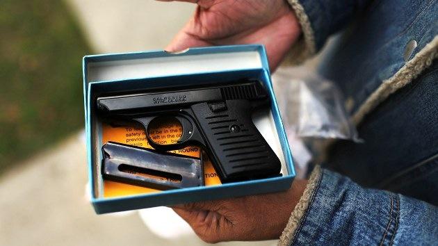 La armas, en la mira de EE.UU.: Obama baraja más controles mentales y rastreo de ventas