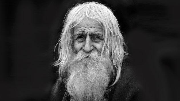 Dobri Dobrev, el mendigo que lo dona todo a los pobres y la Iglesia