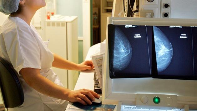 Medio año de cárcel por mentir sobre resultados de mamografías