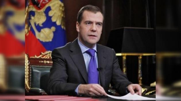 Dmitri Medvédev insta a los rusos a votar por un Parlamento competente
