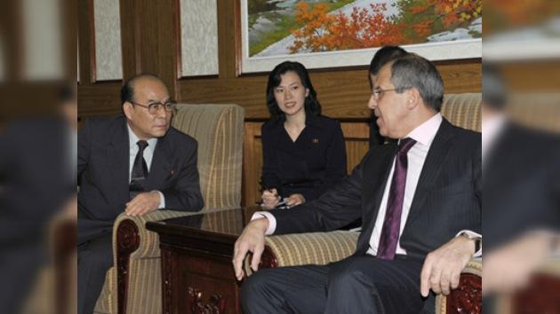 Serguéi Lavrov exhorta a que Pyongyang cumpla las decisiones de la ONU