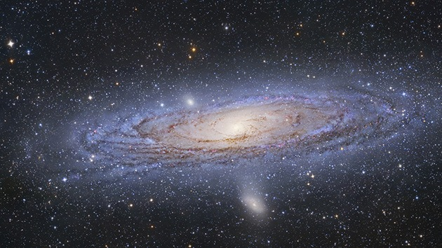 La galaxia de Andrómeda tiene un 'satélite' resultado de la colisión de dos galaxias