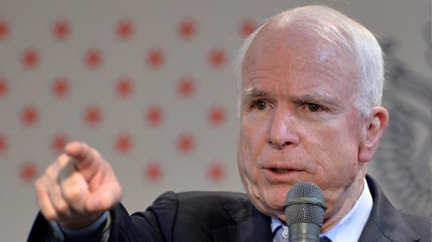"""El senador McCain desea un castigo """"veloz"""" contra Siria con armas a distancia"""