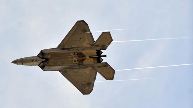 EE.UU. despliega sus aviones más avanzados cerca de China