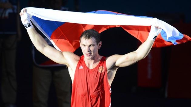 Londres 2012: el boxeador ruso Mejóntsev se cuelga el oro en semipesados