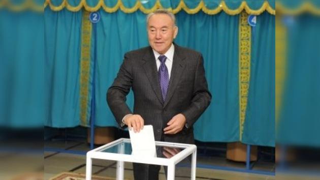 El oficialismo gana las parlamentarias en Kazajistán según sondeos a pie de urna