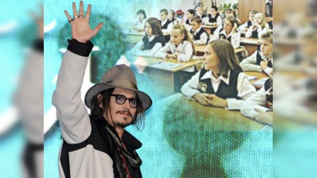 El capitán Jack Sparrow hace visita sorpresa a unos alumnos rebeldes