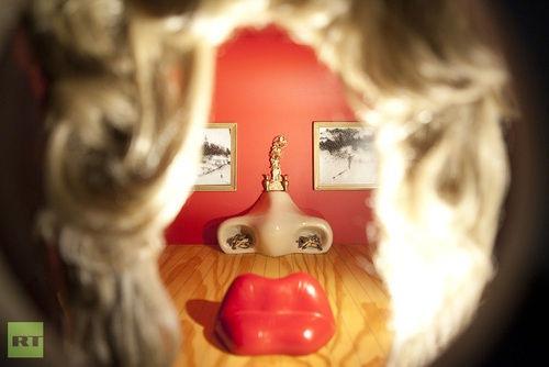 Moscú, seducido por el genio de Salvador Dalí