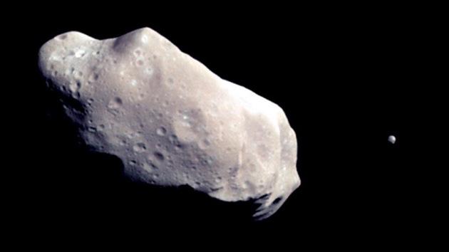 Dos asteroides pasarán por su punto más cercano a la Tierra este sábado