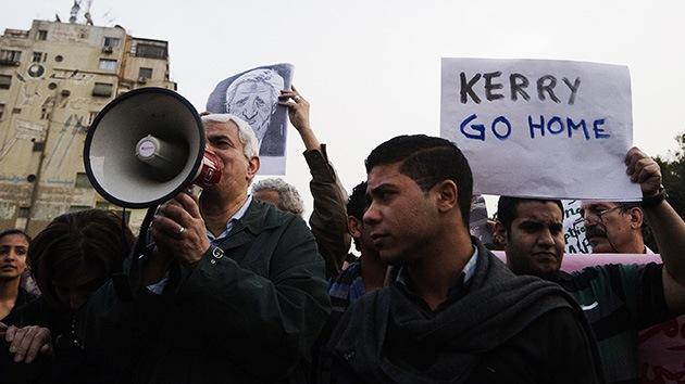 Egipto: Las protestas en El Cairo bloquean la salida del país de John Kerry