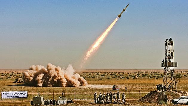 Irán prueba misiles capaces de alcanzar Israel