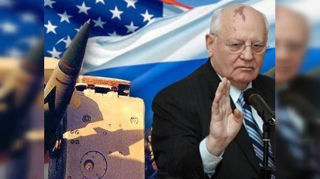Mijaíl Gorbachov: hay que prohibir por completo pruebas de armas nucleares