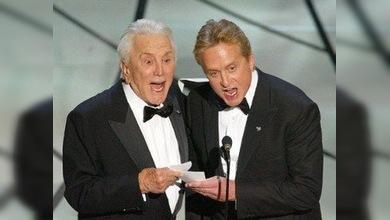 Kirk Douglas galardonará a su hijo Michael con su premio personal