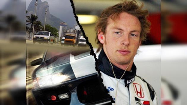 Bandidos brasileños atacaron al campeón de la F1
