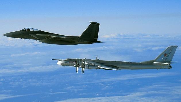 EE.UU. envía cazas para interceptar dos bombarderos rusos cerca de la base de Guam