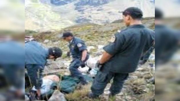 Un ómnibus cayó a un abismo en Perú: 5 fallecidos y 58 heridos